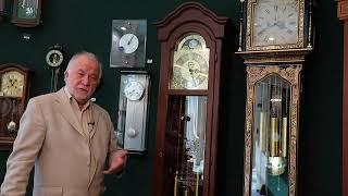 Туровинин В.П.: напольные часы- это музыкальный инструмент. Они должны  украшать жизнь в доме.